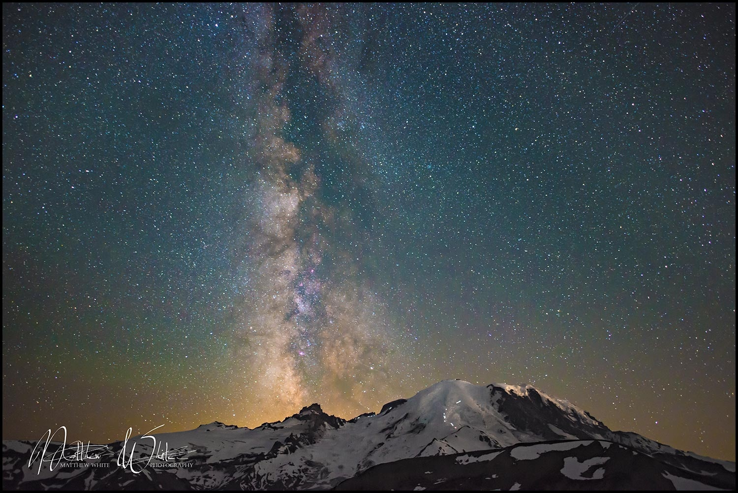 MtRainierMilkyWay
